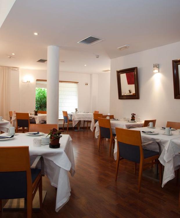 Sala de desayuno Hotel Los Geranios