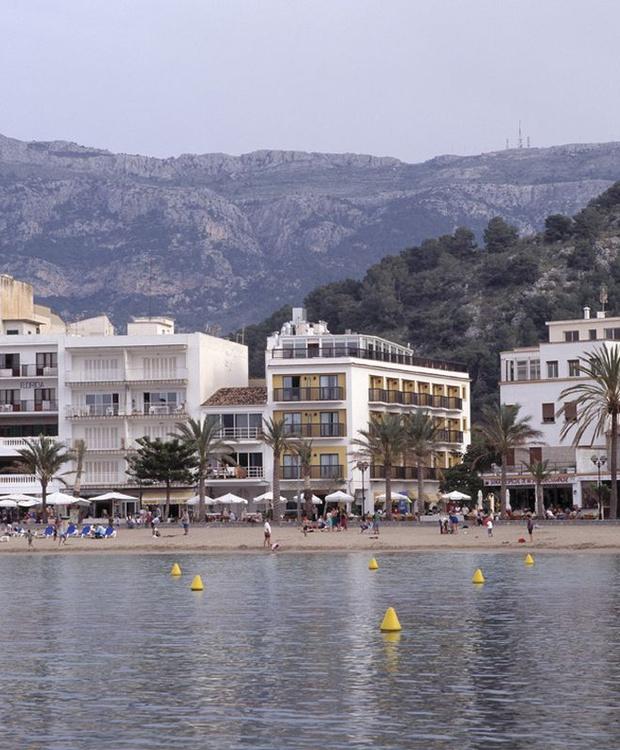 Fachada Hotel Los Geranios