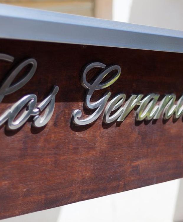 Entrada Hotel Los Geranios